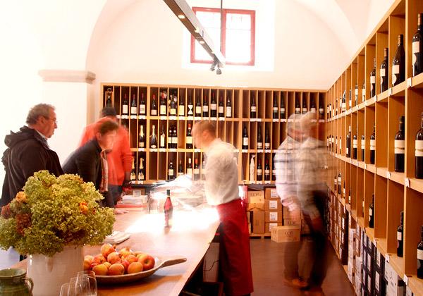 Restaurant Paradeis Vineria Alto Adige Wine Road / Wine Bars and